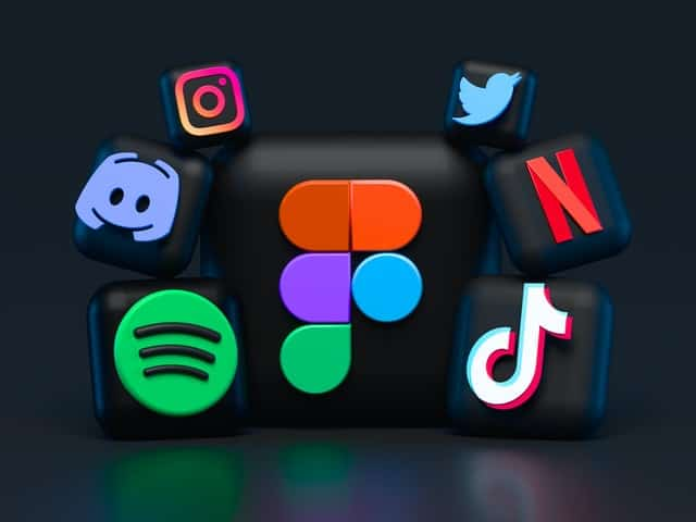 אייקונים של רשתות חברתיות - אילוסטרציה
