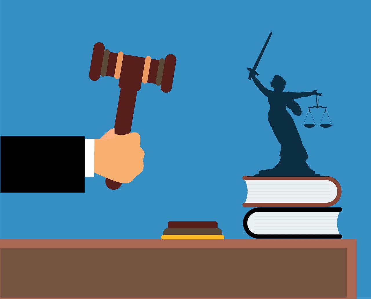 עורך דין דופק בפטיש
